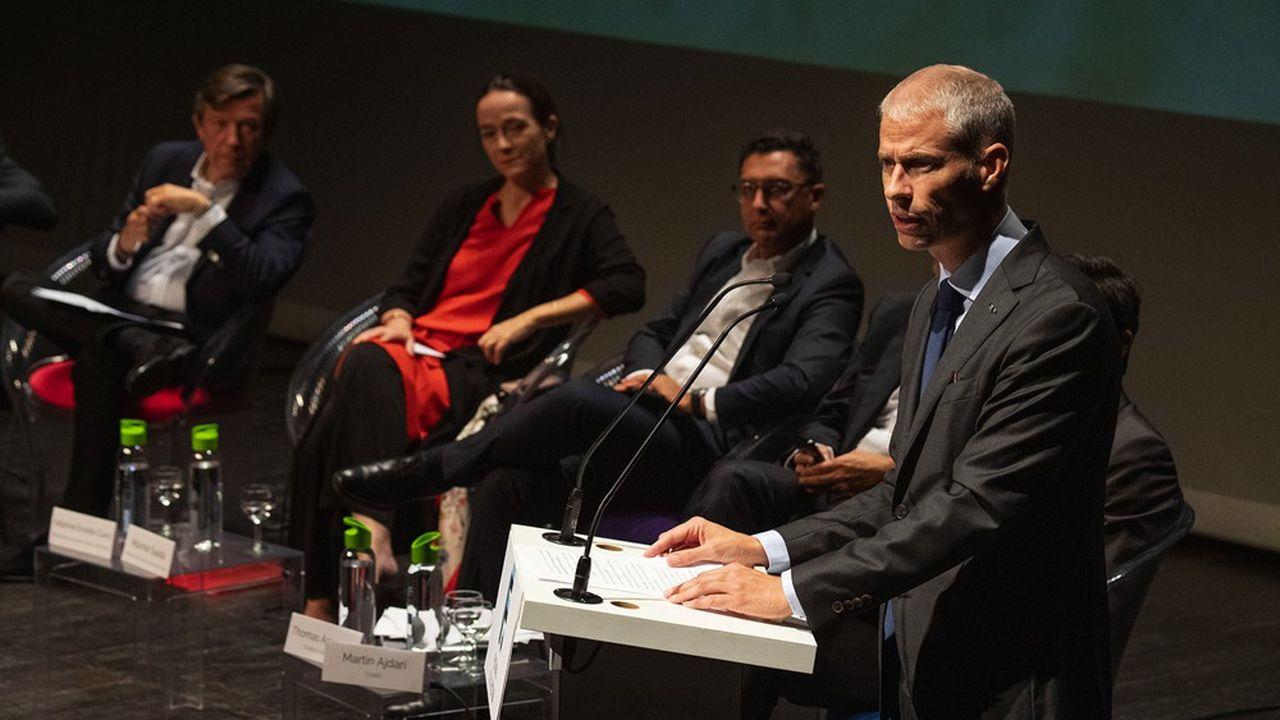 De gauche à droite:Gilles Pelisson,Delphine Ernotte et Maxime Saada, les patrons de TF1, France Télévisions et Canal +et Franck Riester, le ministre de la Culture et de la communication.