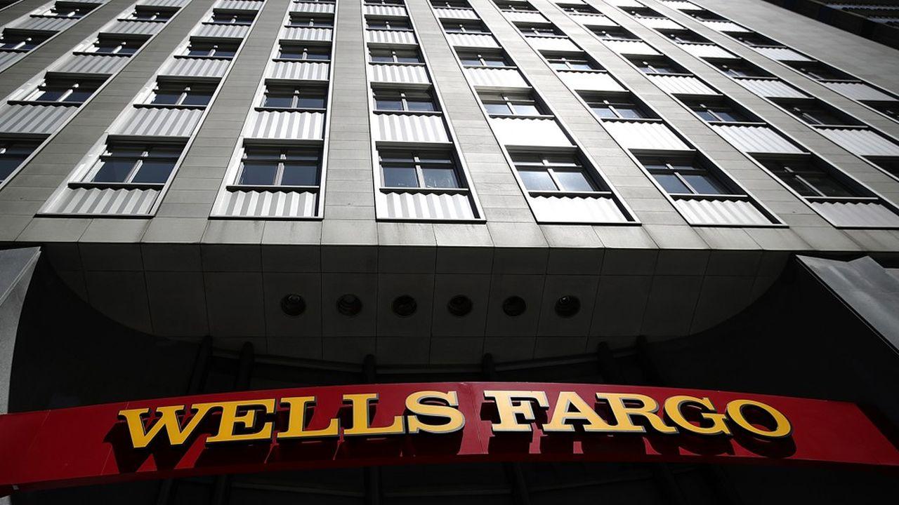 L'enquête montrera que Wells Fargo mettait la pression sur ses équipes commerciales pour qu'elles atteignent leurs objectifs, quitte à ouvrir des comptes aux clients sans leur demander leur autorisation.