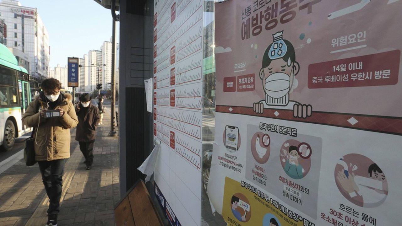 Coronavirus : l'épidémie accélère hors de Chine, la France se prépare