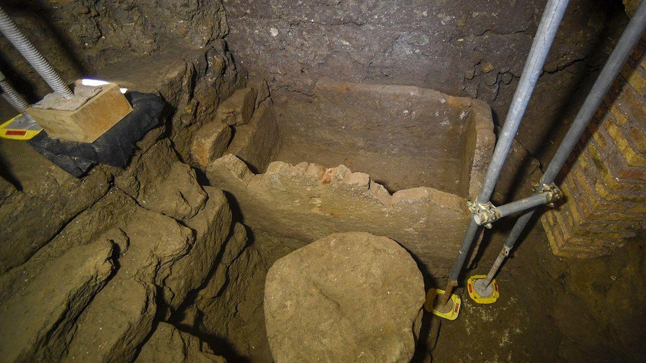 Le sarcophage découvert mesure 1,40 mètre de long.