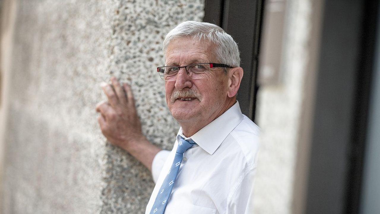 Emile Roger Lombertie, maire Les Républicains (LR) de Limoges.