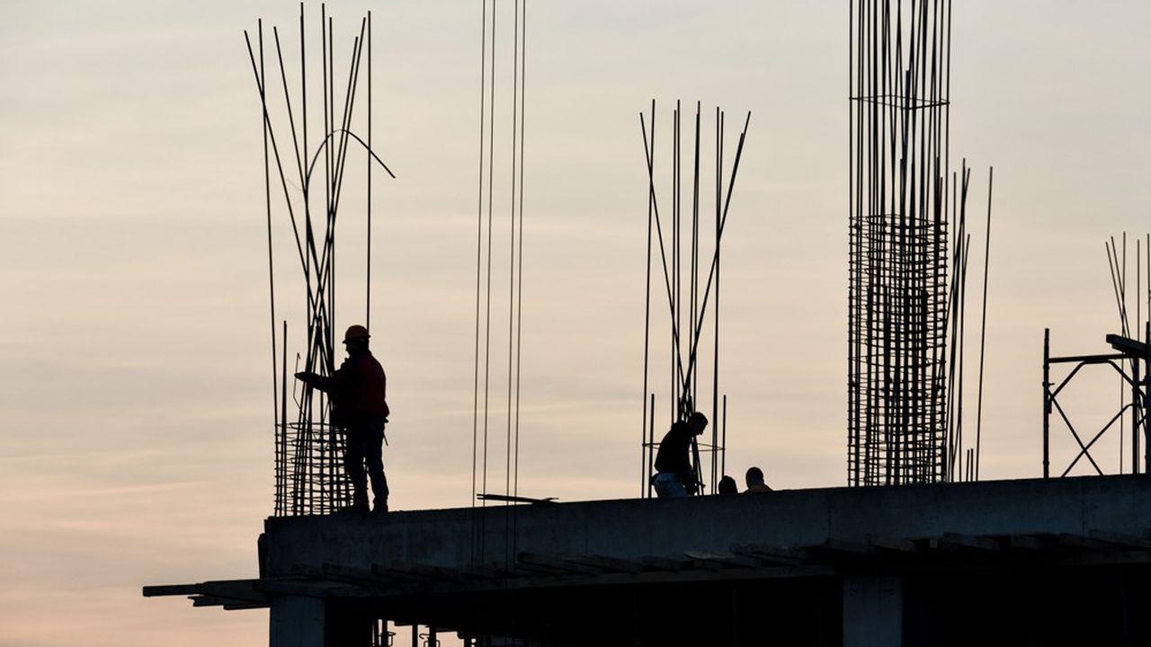 La France n'emploie que 65% des 15-64 ans, ce qui la place dans le quart des pays de l'OCDE où ce taux est le plus bas