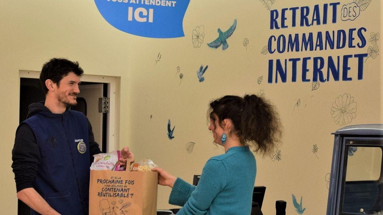 Aujourd'hui, 28 magasins Biocoop à travers la France testent la vente sur Internet sous forme de click & collect. En juin, ils seront plus d'une centaine.