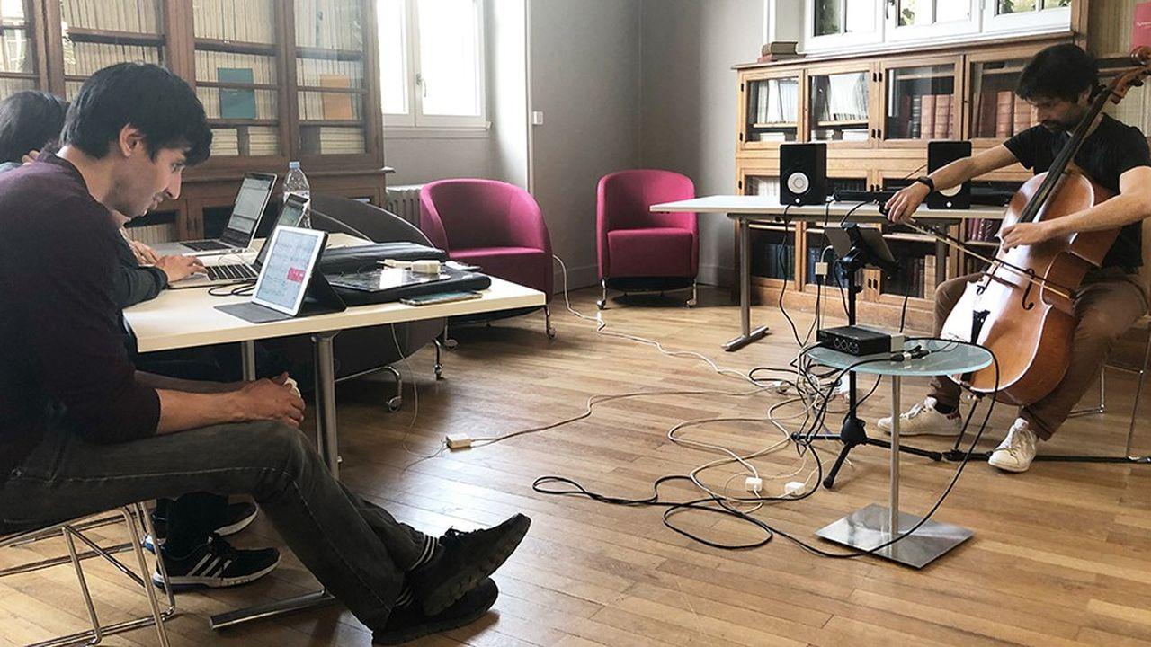 Avec son appli Metronaut, la start-up parisienne Antescofo permet aux musiciens classiques de jouer par-dessus des enregistrements de très haute qualité qui s'adaptent à leurs erreurs et à leur tempo. - Avec son appli Metronaut, la start-up parisienne Antescofo permet aux musiciens classiques de jouer par-dessus des enregistrements de très haute qualité qui s'adaptent à leurs erreurs et à leur tempo.