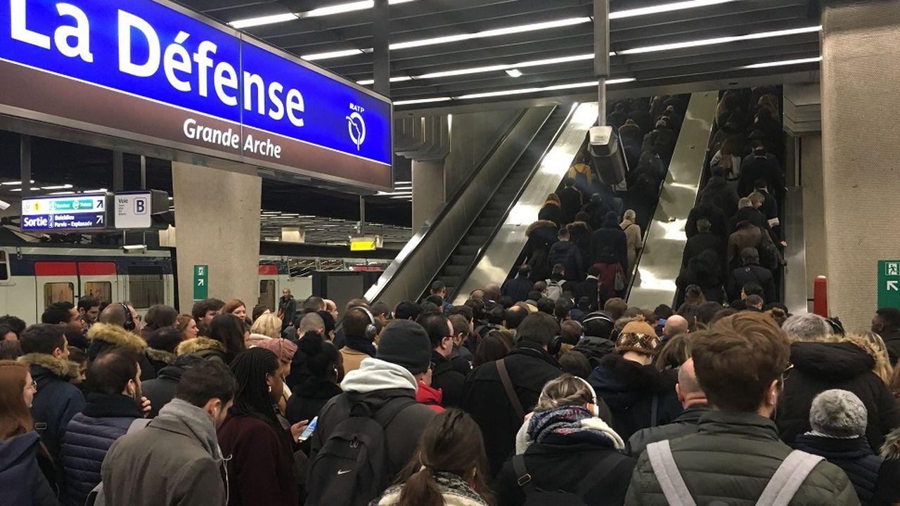 14300_1551279515_escalator-rer.jpg