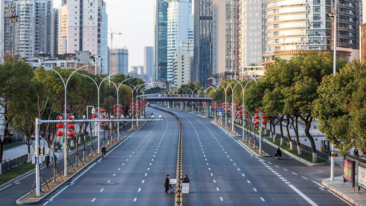 Les mesures draconiennes de mise en quarantaine ont mis l'économie chinoise à l'arrêt.