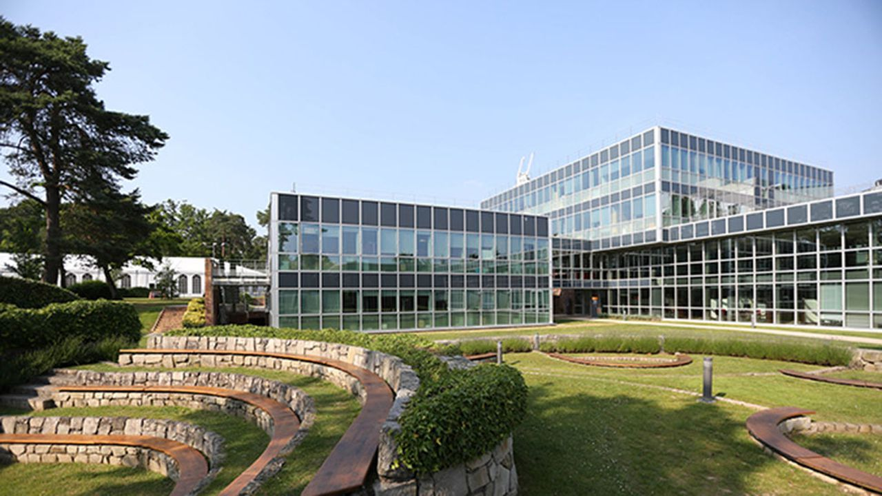 7143_1485787874_insead-europe-campus-fontainebleau-isabelle-negre-2013-8.jpg