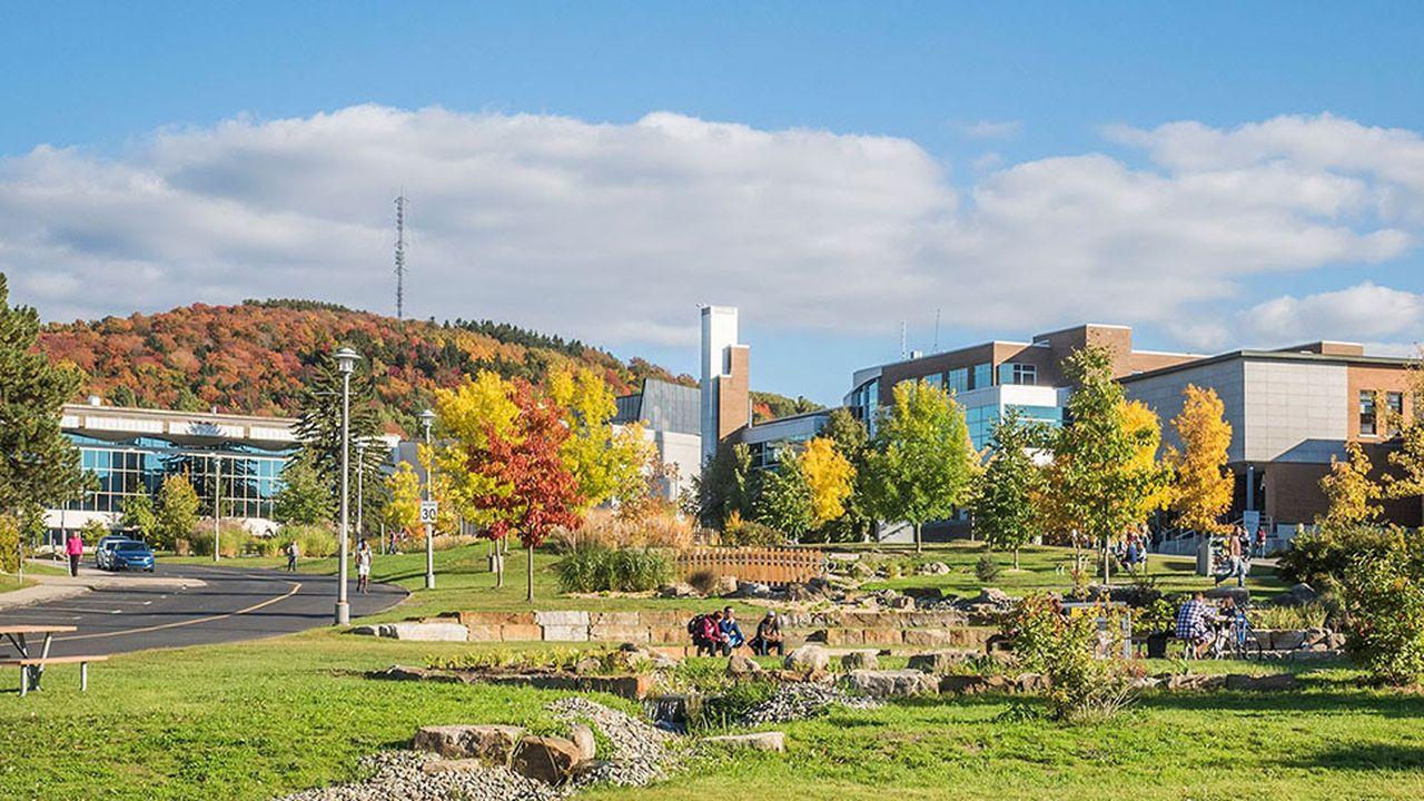 9660_1507205103_universites-de-sherbrooke-coeur-campus-02.jpg