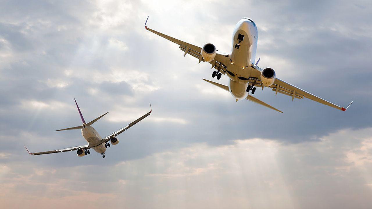 Airbus et Boeing, deux concurrents à l'assaut du ciel.