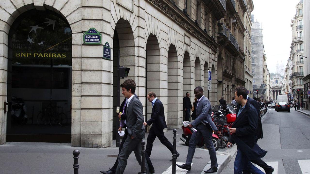 La banque devra verser d'énormes dommages et intérêts aux emprunteurs, pour avoir dissimulé les risques induits par ses prêts en francs suisses Helvet Immo AFP PHOTO / PIERRE VERDY (Photo by PIERRE VERDY / AFP)