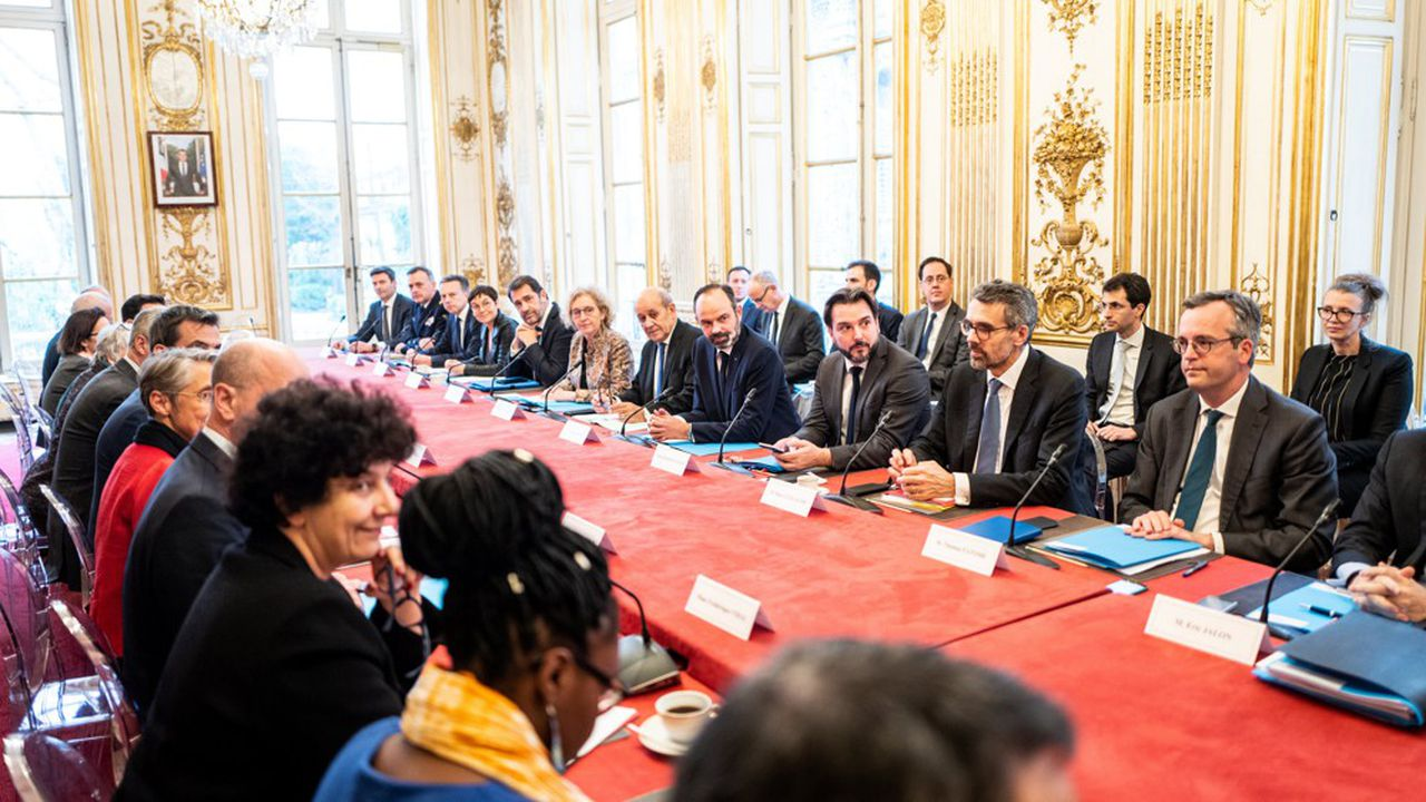 Le Premier ministre Edouard Philippe multiplie les réunions pour faire le point sur la gestion de la crise du coronavirus.
