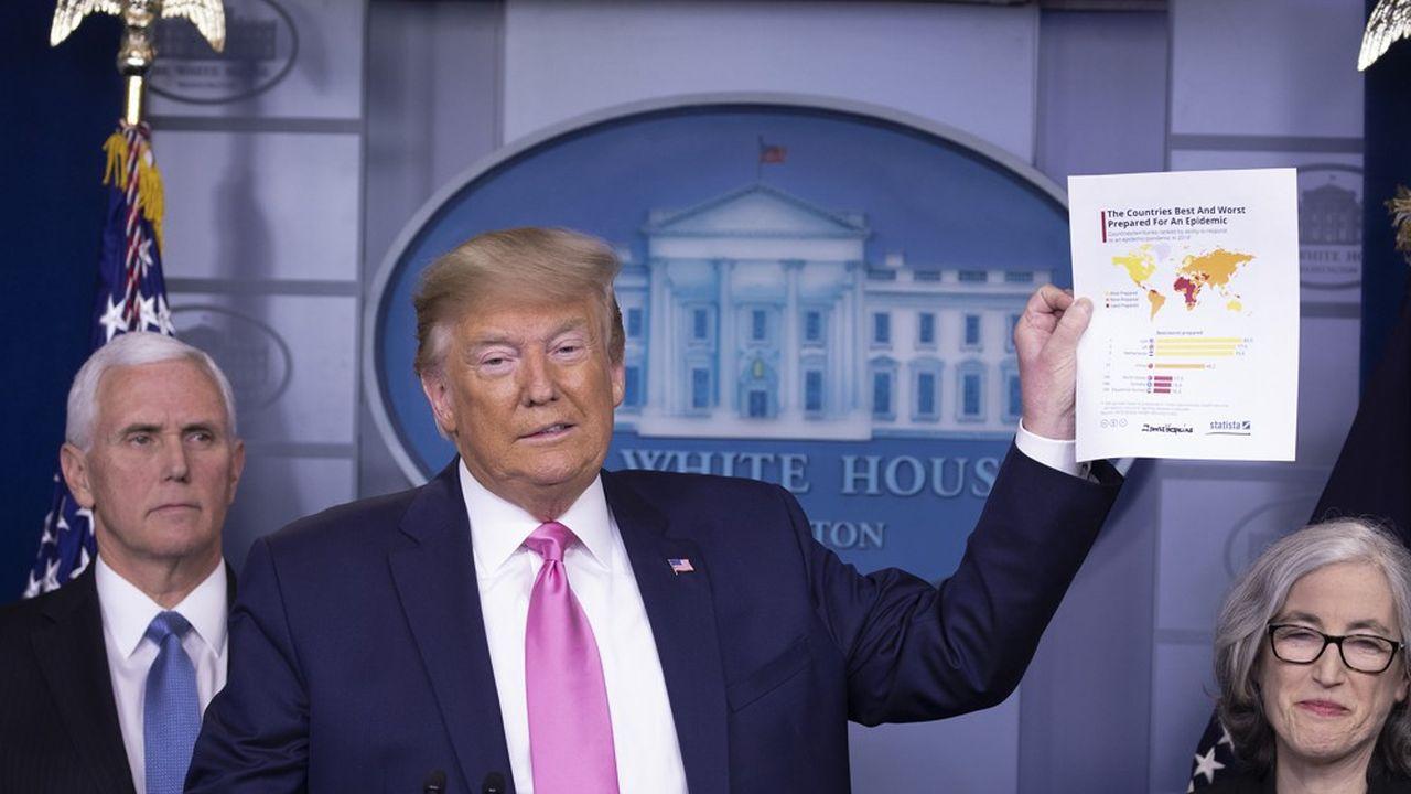 Gestes et anecdote à l'appui, Donald Trump a, lors d'une conférence de presse mercredi à la Miason Blanche, donné ses consignes pour éviter la propagation du coronavirus aux Etats-Unis.