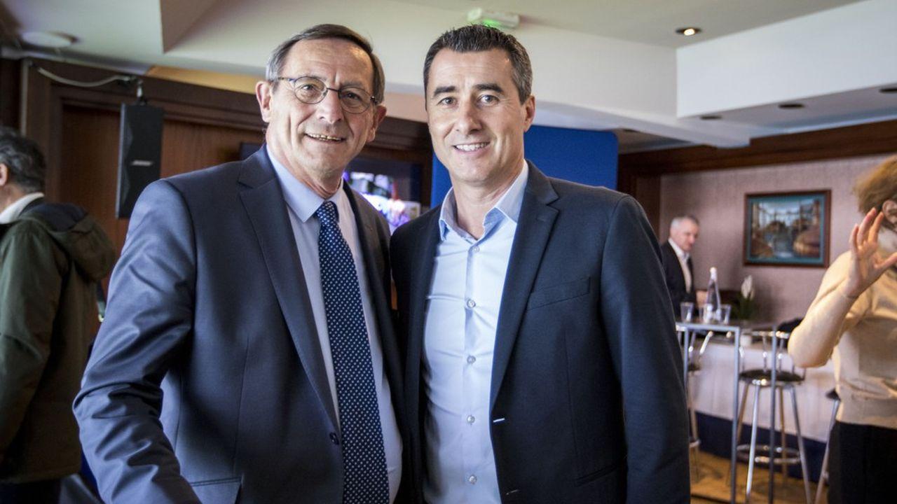 Robert Herrmann, président de l'Eurométropole de Strasbourg, et Marc Keller, président du Racing Club de Strasbourg, lors de la présentation des cinq équipes sélectionnées pour le concours d'architecture de rénovation-extension du stade de la Meinau.