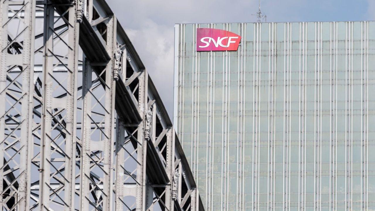 La perte nette de la SNCF ressort à 801millions en 2019, en raison de la perte d'exploitation de 614millions liée à la grève de décembre et de dépréciations comptables.