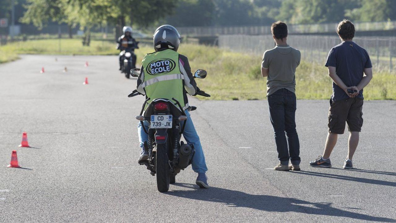 Les candidats au permis moto vont devoir se préparer à une nouvelle épreuve.