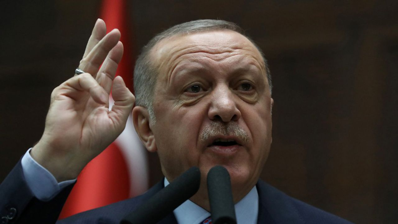 Vendredi, le président turc Recep Tayyip Erdogan et son homologue russe Vladimir Poutine ont eu un entretien téléphonique.
