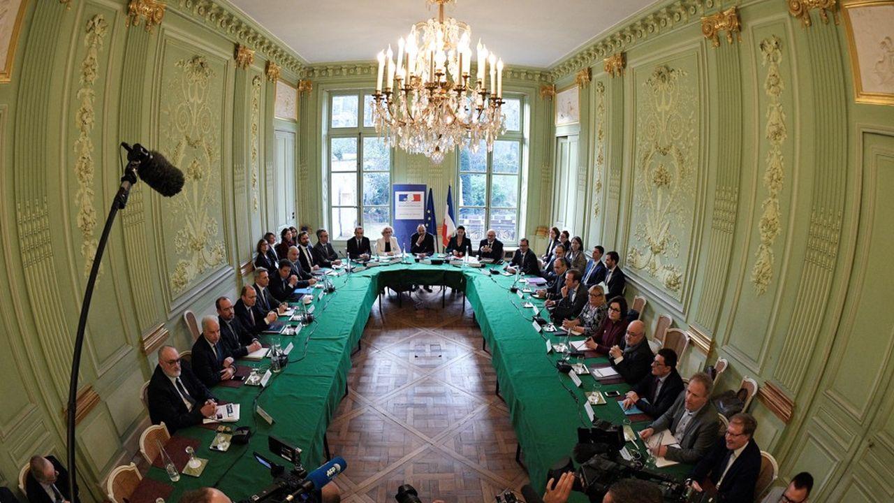 Le 7janvier 2020, le Premier ministre, Edouard Philippe, avait ouvert les travaux des partenaires sociaux avec le gouvernement notamment sur la question sensible de la pénibilité, sur laquelle les discussions doivent se poursuivre.