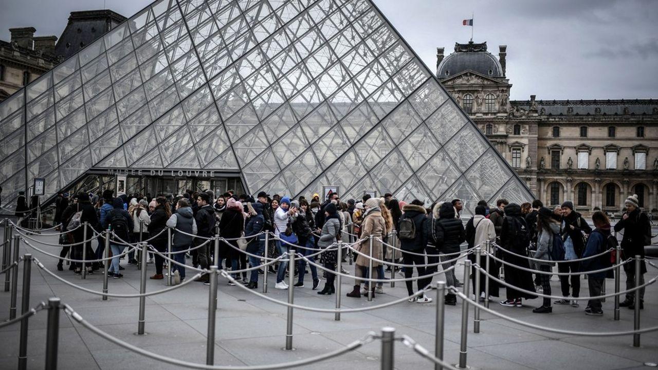 Le personnel du Louvre a fait valoir son droit de retrait dimanche, le musée est resté fermé.