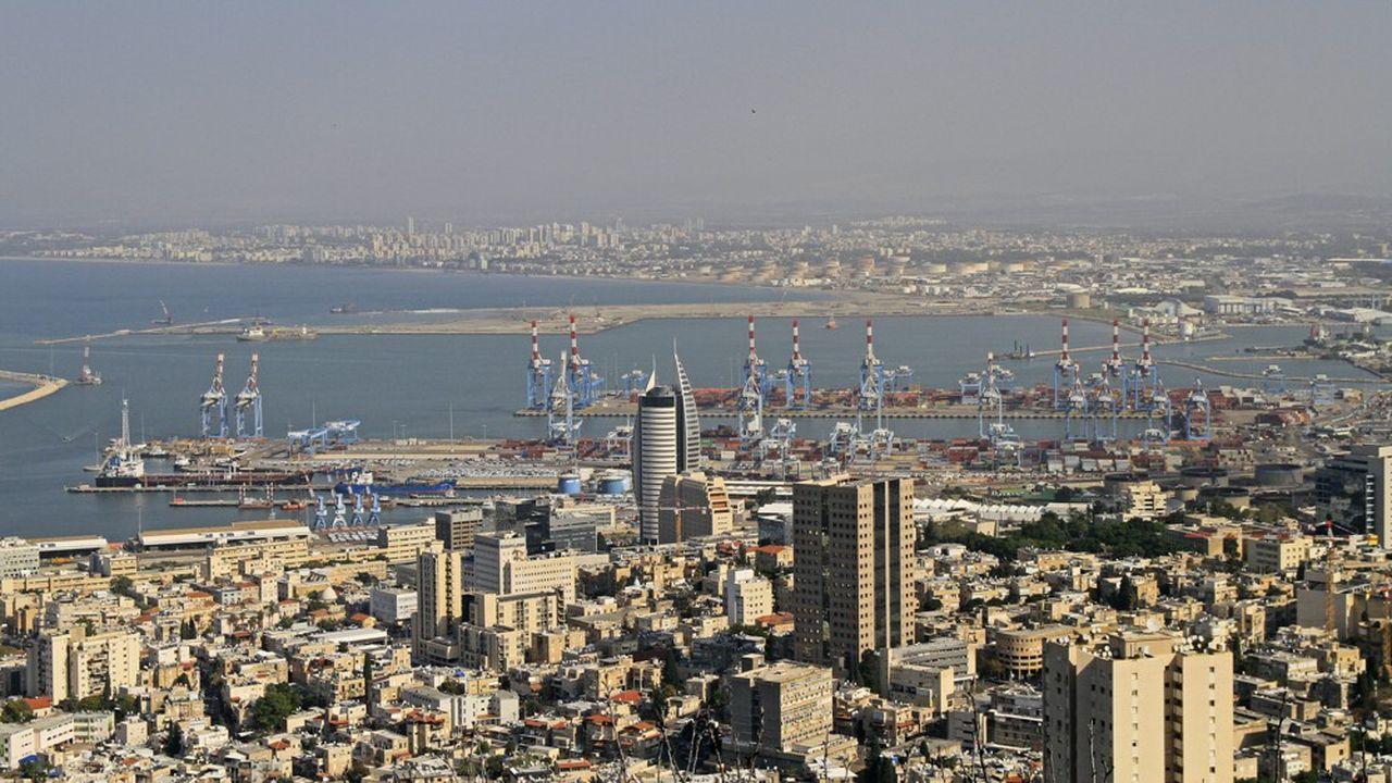 Le port de Haifa en Israël