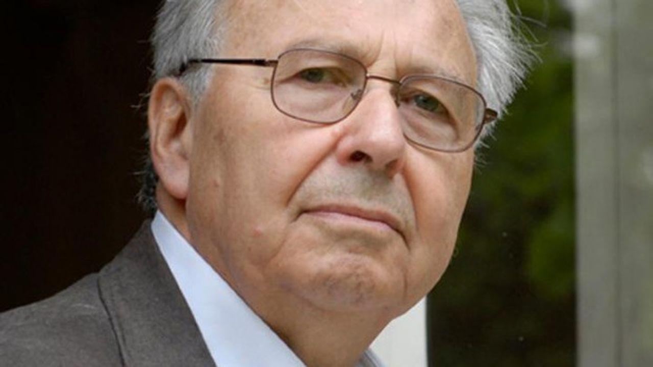 Claude Klein, professeur de droit constitutionnel à l'Université hébraïque de Jérusalem.