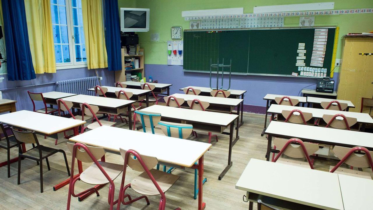 Par précaution, tous les voyages scolaires à l'étranger sont interdits, ceux qui sont en cours doivent être interrompus, et ceux qui étaient programmés, être annulés préventivement.