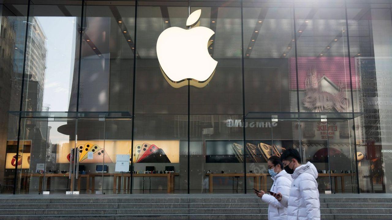 Face à l'épidémie de Covid-19, Apple, a vite pris la décision de fermer ses boutiques en Chine afin d'éviter la propagation du virus.