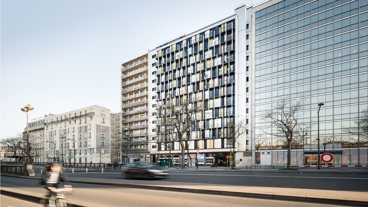 Un immeuble de bureaux transformé en logements sur le boulevard MacDonald à Paris, livré en 2017.