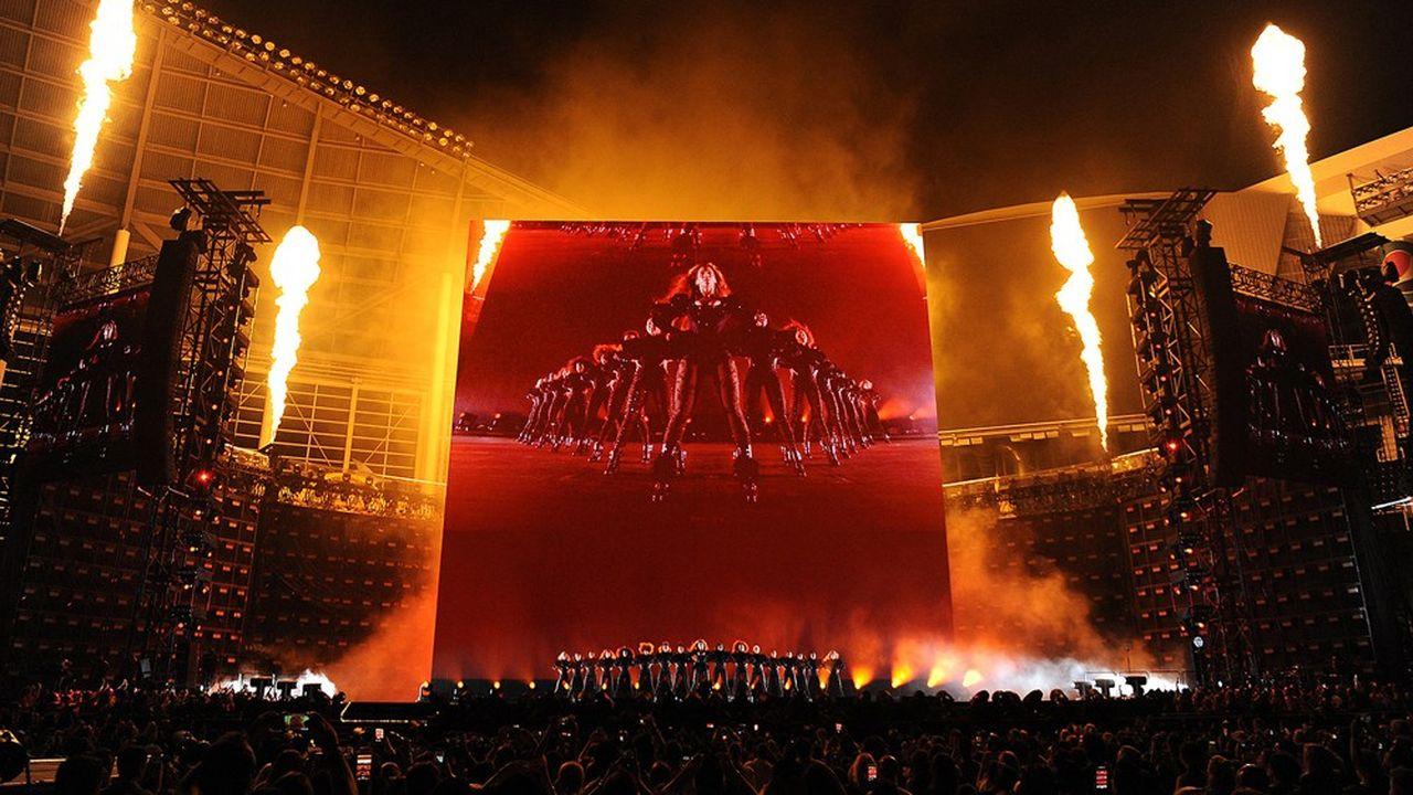 Beyonceen tournée durant son Formation World Tour au Marlins Park de Miami en 2016
