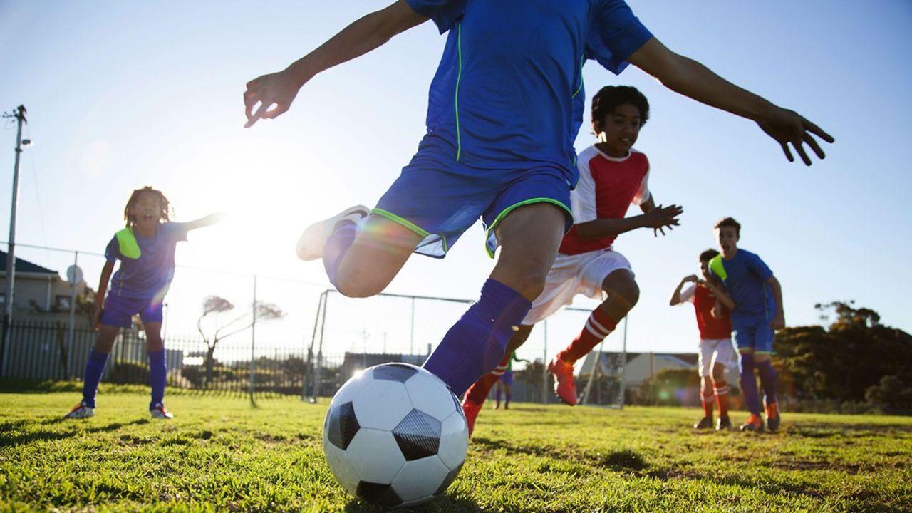 L'étude de Groupe BPCE sur la filière sport souligne ses enjeux territoriaux. Outre la relation entre équipements et associations sportives, le lien social en milieu rural, elle relève de forts contrastes régionaux.