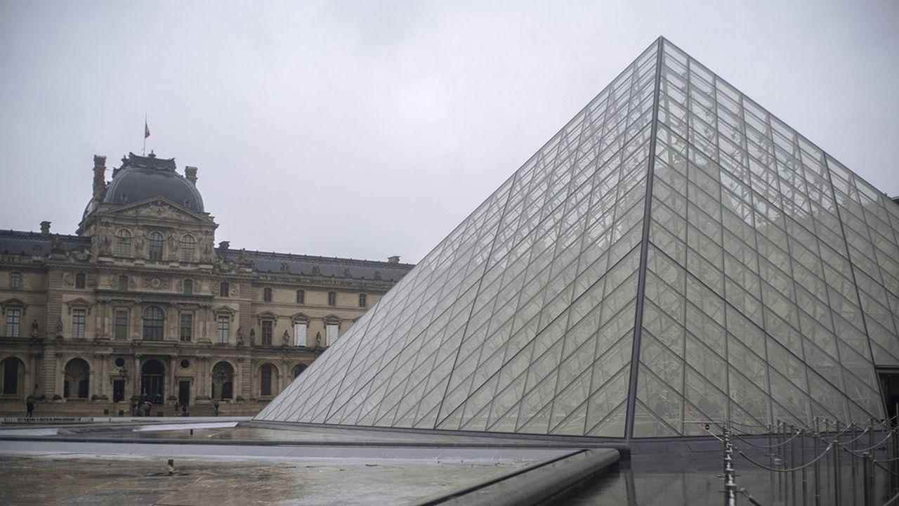 Depuis dimanche, le musée du Louvre a fermé ses portes à la suite du droit de retrait invoqué par ses salariés.