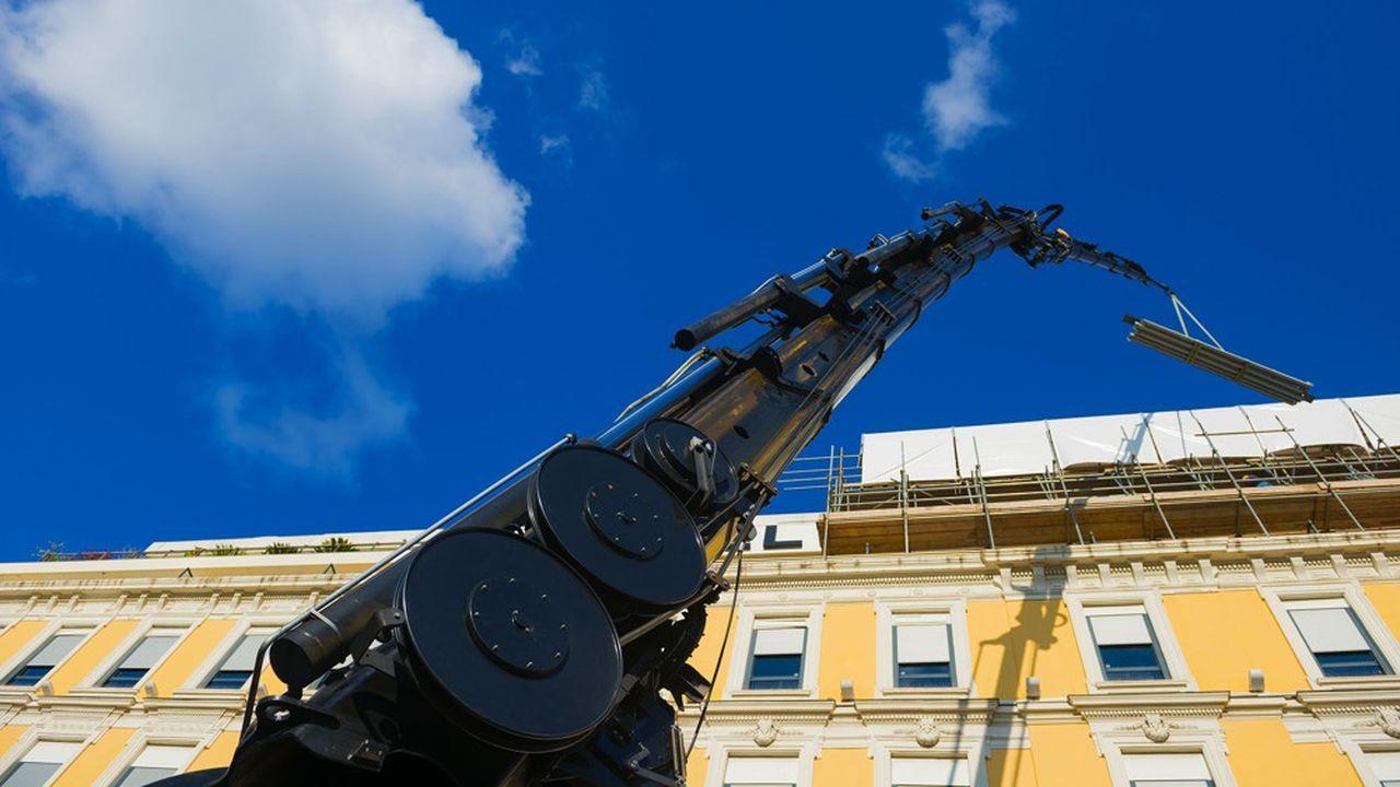 La France compte 9,7millions de logements en copropriété, qui pourraient devoir faire un diagnostic technique global de leurs biens et sur cette base, élaborer un plan de travaux sur dix ans pour contrer la dégradation des immeubles.