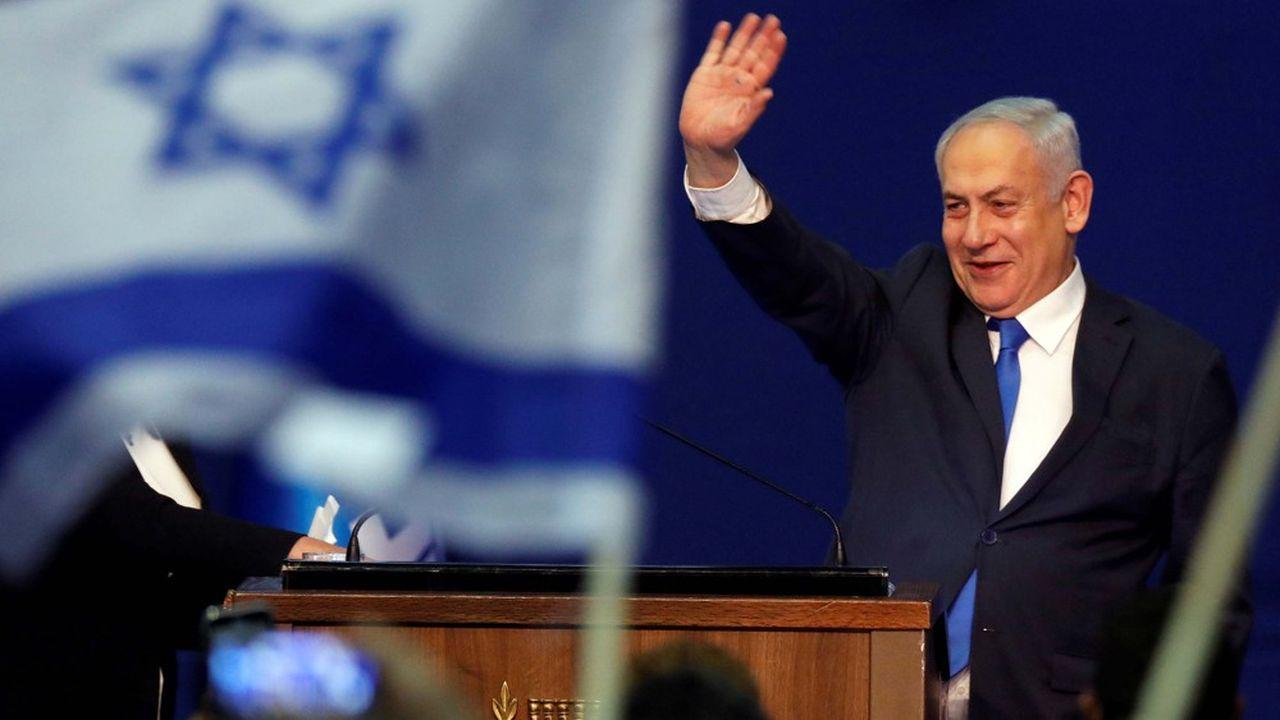 Dès le lendemain de la victoire de son parti aux élections, Benyamin Netanyahua commencé ses consultations pour trouver les deux députés qui devraient lui manquer pour former une coalition majoritaire de 61 députés.