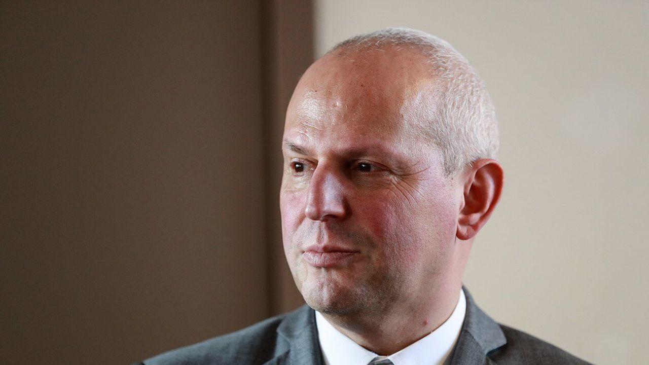 Malgré de nouveaux cas, Jérôme Salomon a indiqué que la France restait au stade 2 de l'épidémie.