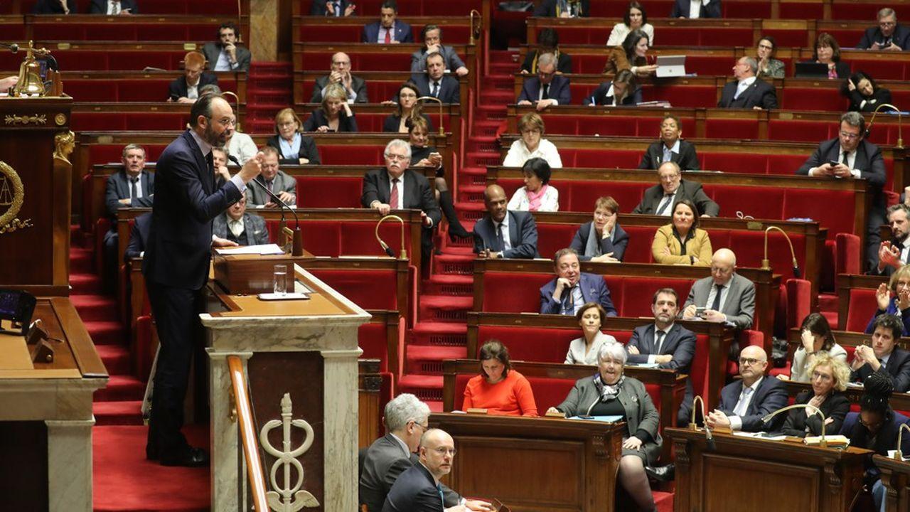 Le Premier ministre a une nouvelle fois dénoncé à la tribune les «combines procédurales» de certains groupes parlementaires.
