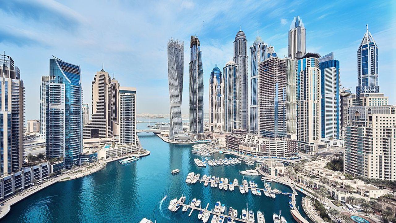 Les organisateurs de l'Expo 2020 ont annoncé la création du « District 2020 », une nouvelle ville avec 65.000 m² d'espaces résidentiels et 135.000 m² d'espaces commerciaux, construite en lieu et place des infrastructures qui auront servi pour l'Exposition universelle.