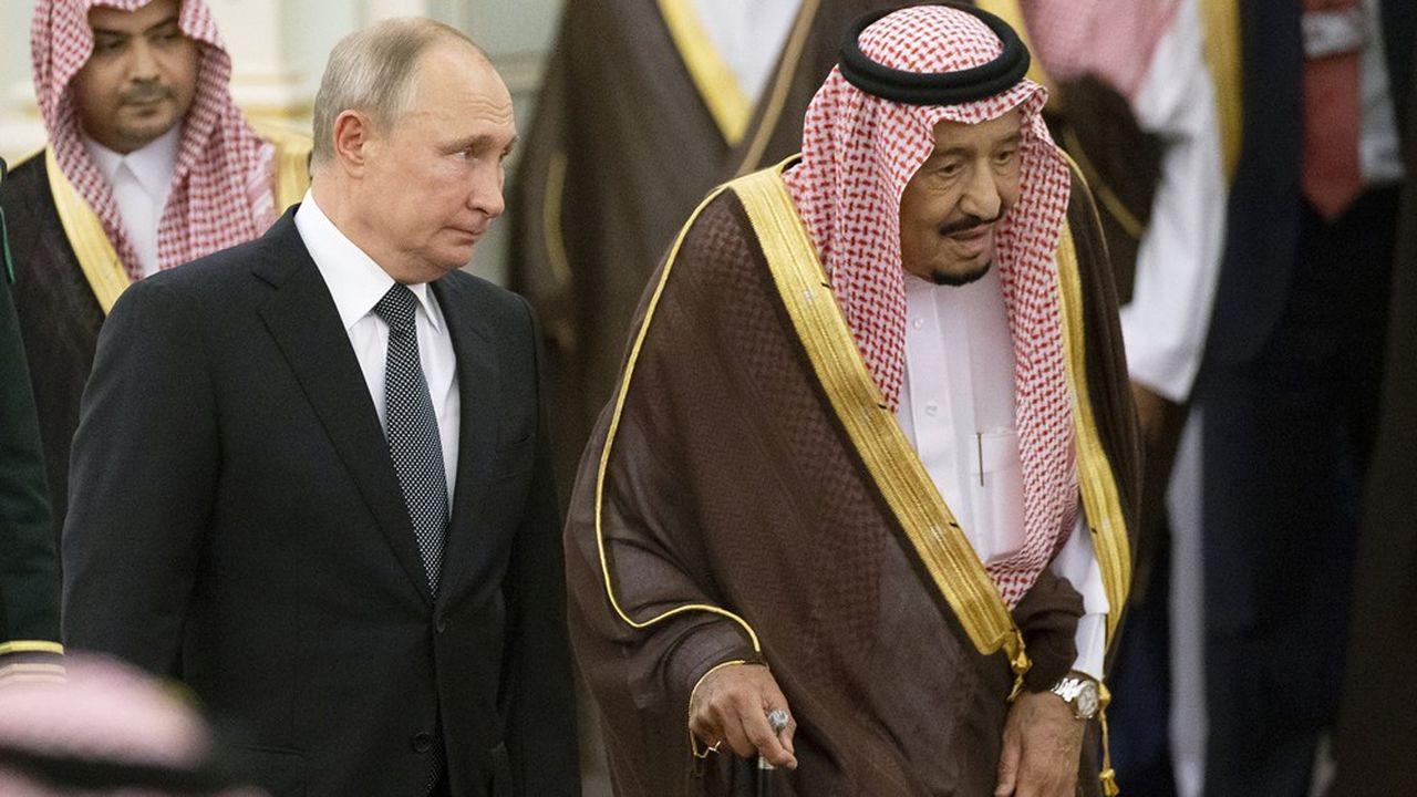 L'alliance entre la Russie et l'Arabie saoudite porte sur la stabilisation des cours du pétrole, mais elle a aussi un intérêt géopolitique pour Vladimir Poutine (ici avec le roi Salmane).