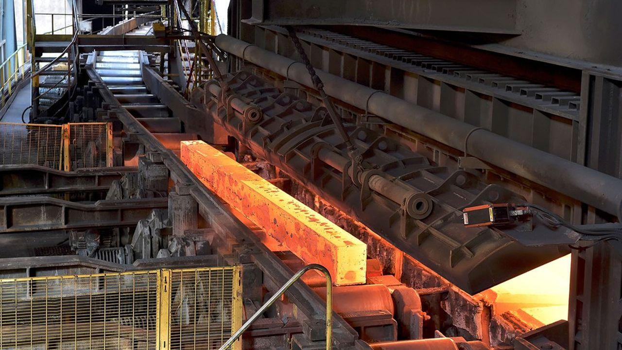 L'usine de rails de British Steel à Hayange est stratégique aux yeux du gouvernement car elle fournit la SNCF. (Photo by PATRICK HERTZOG/AFP)