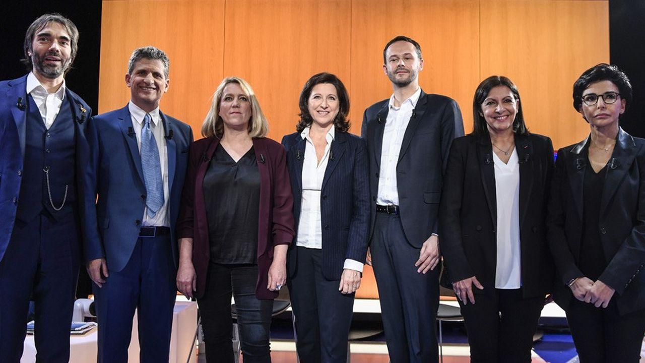Les sept candidats à la mairie de Paris avant le débat télévisé de mercredi soir: Cédric Villani, Serge Federbusch, Danielle Simonnet, Agnès Buzyn, David Belliard, Anne Hidalgo et Rachida Dati (de gauche à droite).