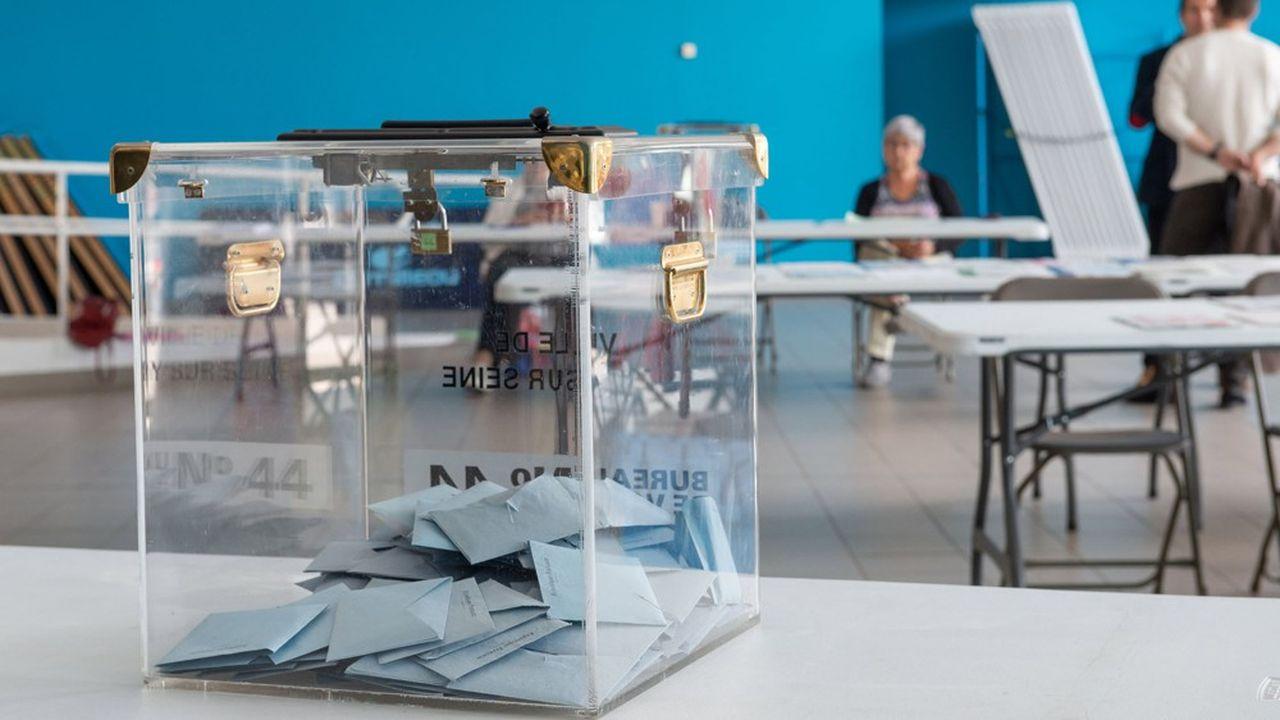 Selon notre sondage Elabe, 62% des Français envisagent d'aller au premier tour des élections municipales, le 15mars. Un chiffre en baisse de 4 points depuis fin janvier.