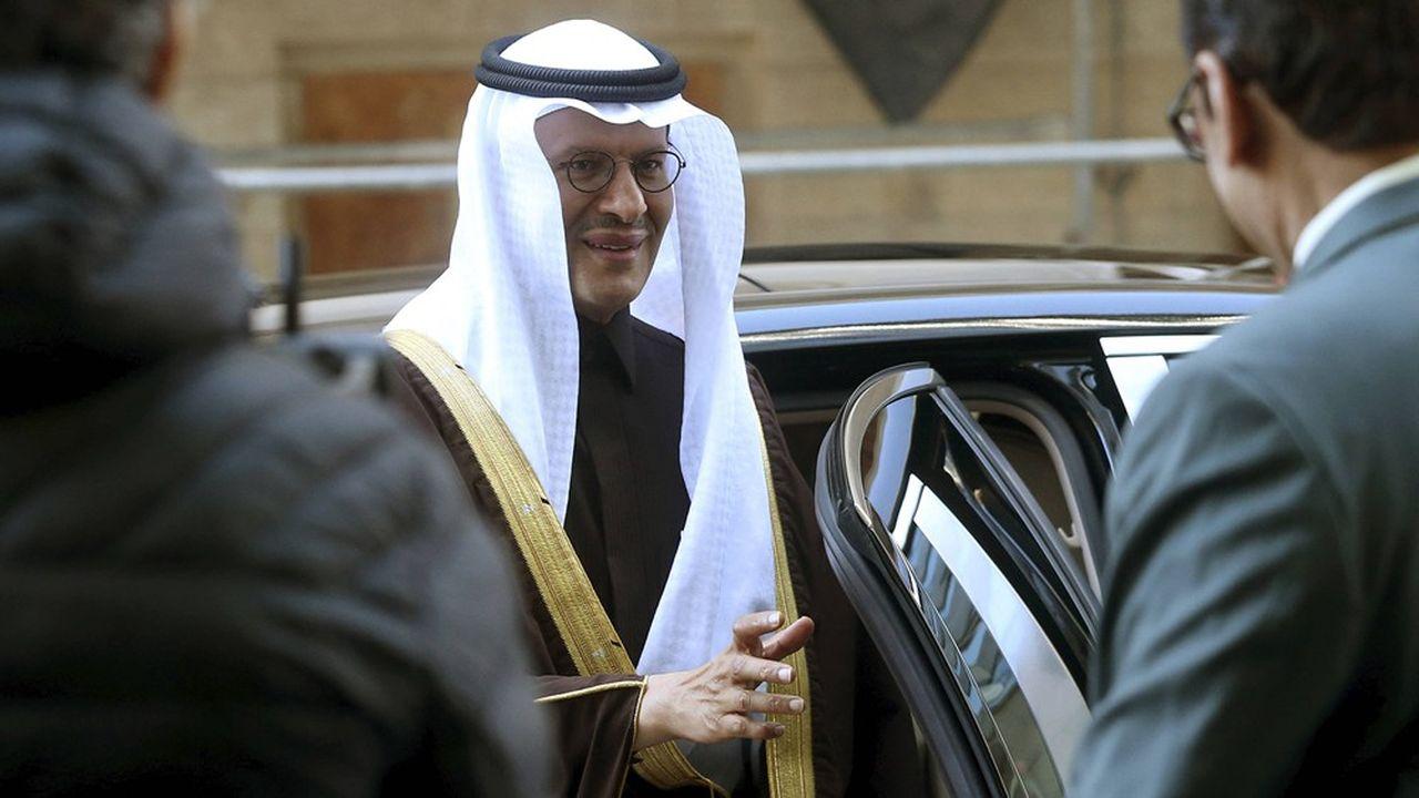 Le ministre de l'Energie d'Arabie saoudite, le prince Abdelaziz ben Salmane, à son arrivée au siège de l'Opep à Vienne jeudi.