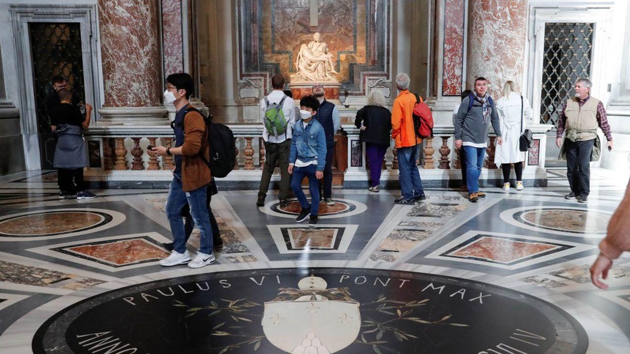 A Milan les réservations touristiques ont chuté de 64,5%, à Venise de 50,6%, à Florence de 35% et à Rome de 36% en raison de l'épidémie de coronavirus.