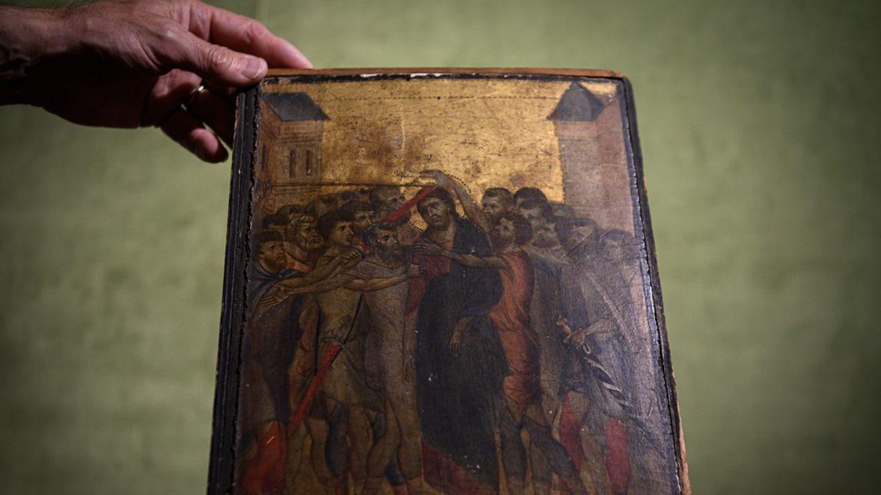 Ce Christ du XIIIesiècle imputé au florentin Cenni di Pepo dit Cimabue, a atteint 24,2millions d'euros aux enchères à Senlis en Octobre 2019.