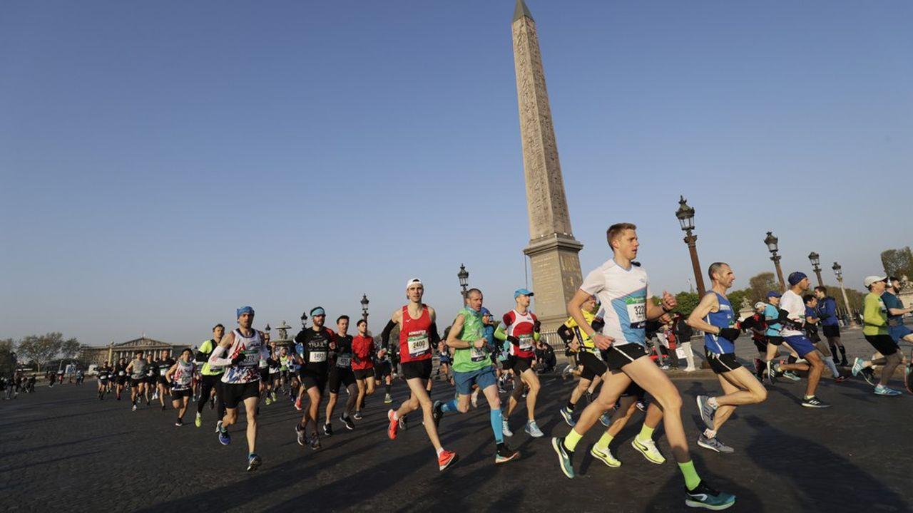Le marathon de Paris est venu s'ajouter à la liste des rassemblements reportés.