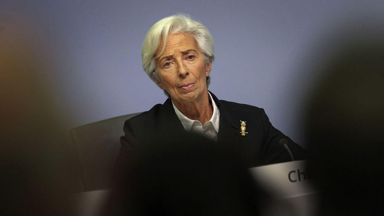 Quatre mois après son arrivée à la tête de la Banque centrale européenne, Christine Lagarde doit faire face à une crise majeure.