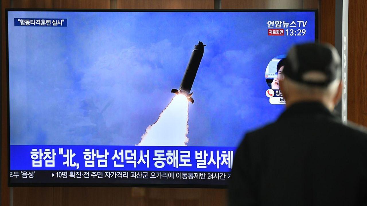 Selon les premières données communiquées par l'état-major de l'armée sud-coréenne, les trois missiles auraient été tirés peu après 7h30 depuis un aérodrome militaire de la ville côtière de Sondok, que le régime utilise régulièrement pour tester des armements.