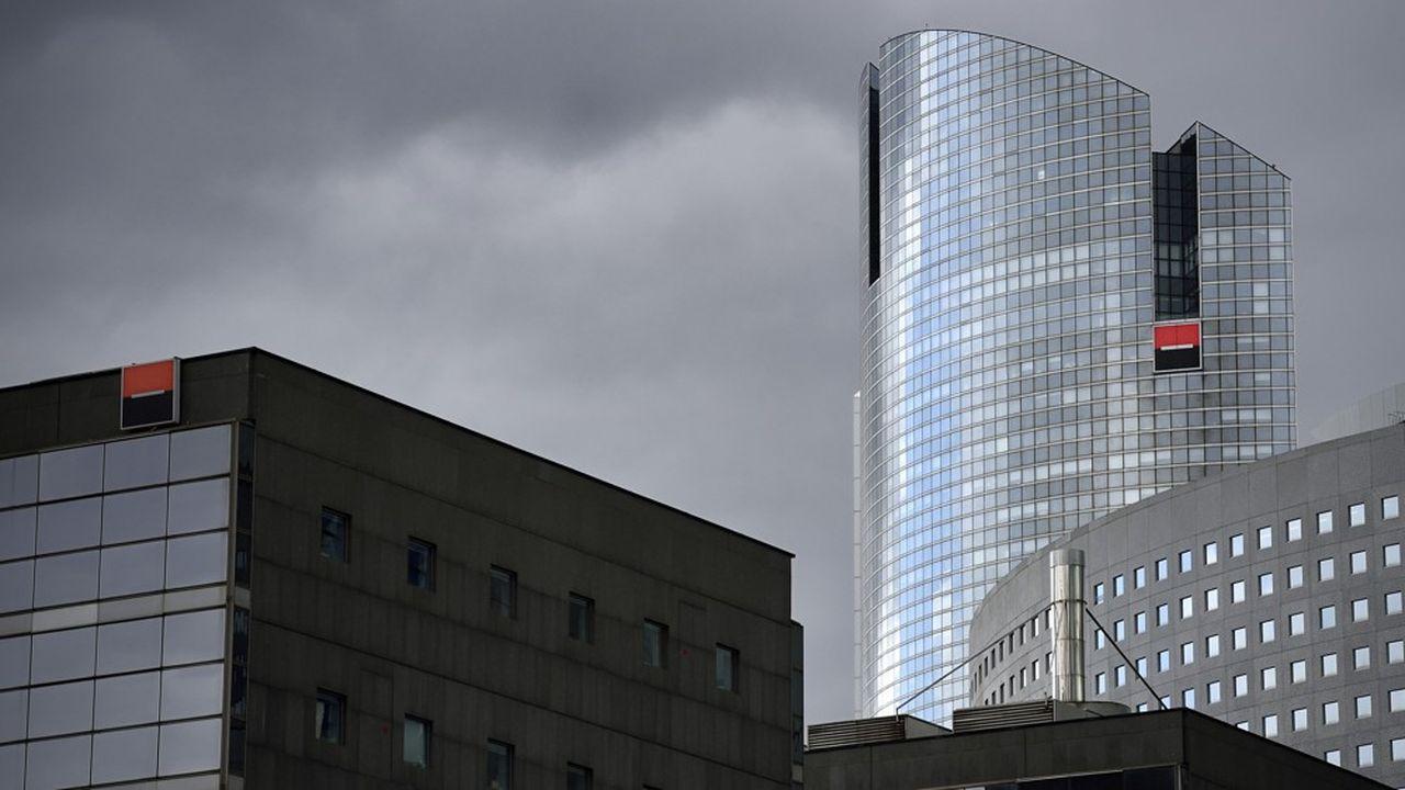 Les grandes banques européennes ont été durement sanctionnées sur les marchés, lundi, en raison des craintes liées à l'épidémie de Covid-19.