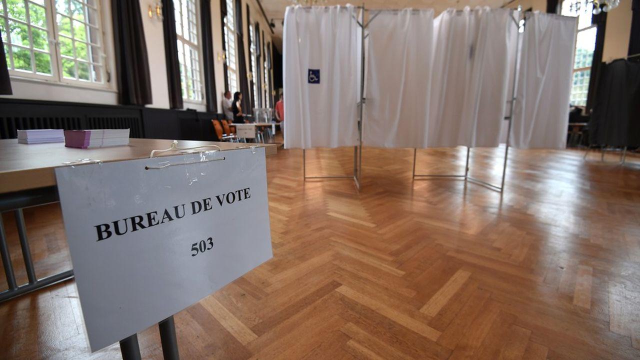 Le virus pourrait plomber la participation aux élections municipales.