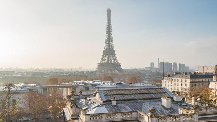 Duplex de 740m2 avec vue sur la Tour Eiffel vendu 17,4millions d'euros.