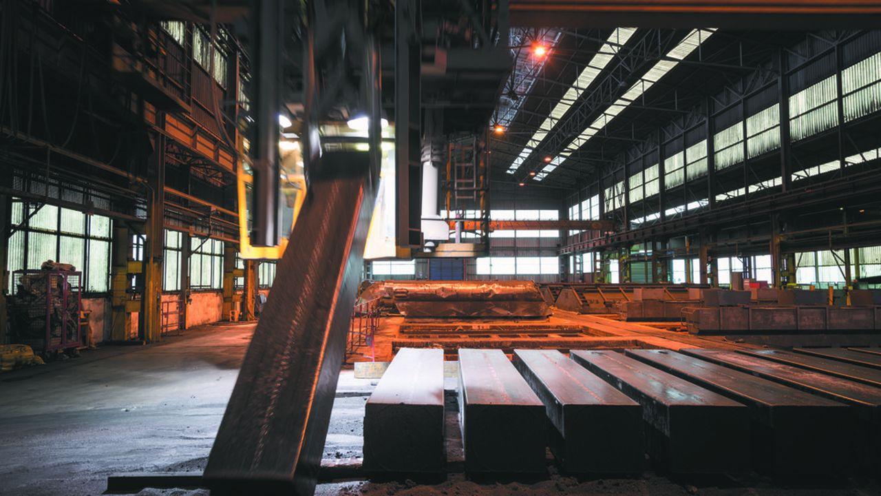Hangar accueillant le four de cuisson rénové de la société Carbone Savoie à Vénissieux, uninvestissement 11millions d'euros.