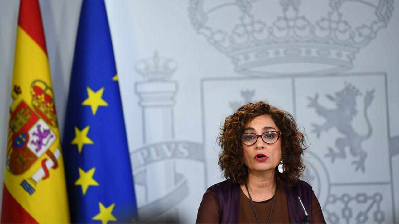 La porte-parole du gouvernement, Maria Jesus Montero, a donné quelques pistes en évoquant l'idée d'alléger la charge des entreprises afin de «stimuler l'activité économique des secteurs les plus touchés» et de revoir les conditions de mise en chômage partiel.